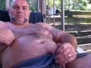 Daddy Bear Outdoor Show