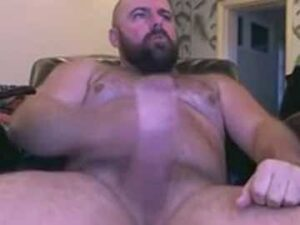 Horny Gay Bear Having Wank