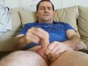 Hot Daddy Quick Wank On Cam