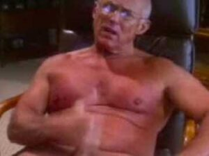 Muscle Grandpa Cam Action